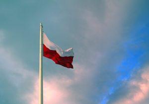 moderne polnische zäune - polnische fahne
