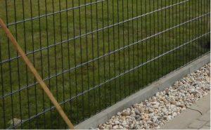 Doppelstabmattenzaun Rasenkante - Ampanel.de