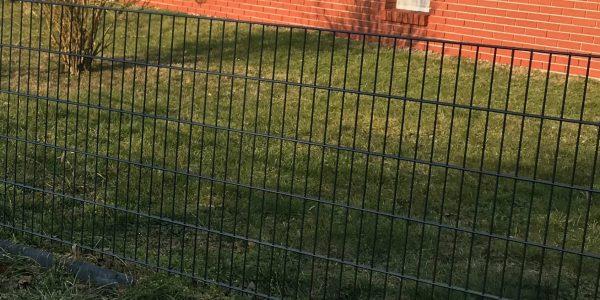 Polnische Zaun aus Doppelstabmatten Hersteller - Ampanel.de