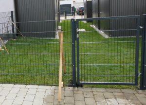 Tor zum Doppelstabmattenzaun - Ampanel.de