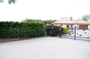 Doppelstabmattenzaun Komplettset mit Tür - Ampanel.de