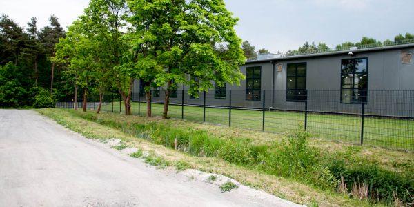 Doppelstabmattenzaun für Lagerplatz - Ampanel.de