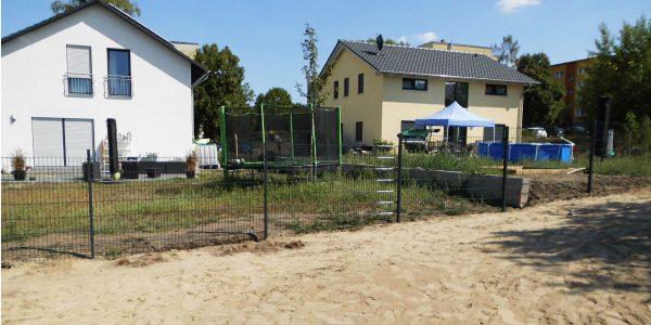 Metallzaun für Gefälle - Ampanel.de