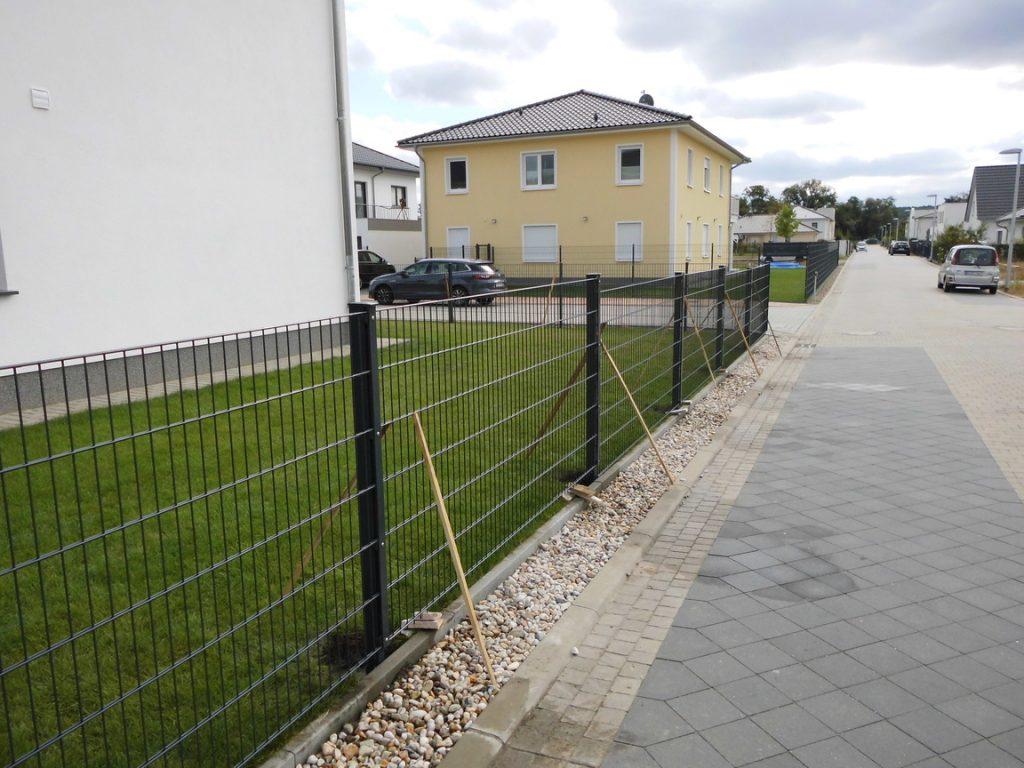 Welcher Zaun für den Garten - Ampanel.de
