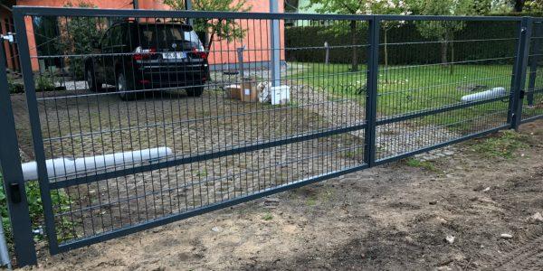 Zäune und Tore aus Polen - Ampanel.de