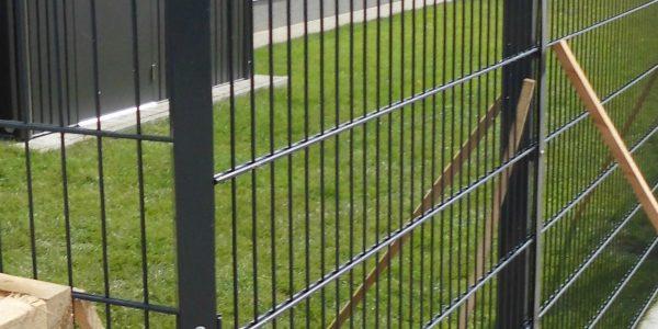 Gartenzaun liefern und Montage - Ampanel.de