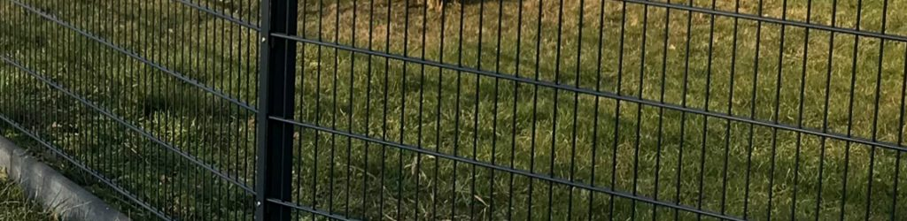Einen Zaun aus Polen direkt bestellen - Ampanel.de